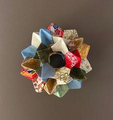Electra - Icosidodecahedron (anuradhadeacon-varma) Tags: electra papercrafts paperfolding modular modularorigami origami