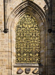 La reixa daurada / Golden gothic grille