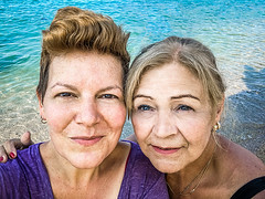 Back together (Melissa Maples) Tags: kemer turkey türkiye asia 土耳其 apple iphone iphonex cameraphone summer beach qualista mediterranean sea water me melissa maples selfportrait woman brunette friends blonde margit