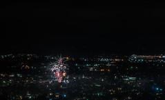 durant square fireworks (pbo31) Tags: bayarea eastbay 4thofjuly holiday night black color summer nikon d810 boury pbo31 california fireworks 2018 independenceday pyrotechnics over view kingestateopenspace eastmont oakland alamedacounty illegal