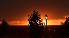 Él es la luz de mis días. Y tú, iluminas mis noches. (elena m.d.) Tags: sunset guadalajara paisaje landscape ciudad city nikon d5600 sigma sigma105 elena new clouds cielos sky