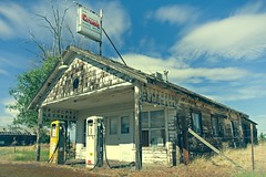 Crush Abandoned Gas Station 9186 B (jim.choate59) Tags: jchoate on1pics abandoned gasstation orangecrush sign oregon kentoregon d610 shermancounty