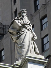 Courthouse Roof Statues 5442 (Brechtbug) Tags: courthouse roof statues across from madison square park new york city caryatid atlantid 2018 nyc 07152018 art architecture gargoyle gargoyles statue sculpture sculptures facade figures column columns court house law government building seasons season buildings