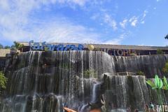 Cataratas Victoria (Tato Avila) Tags: colombia colores cálido cielos naturaleza nikon nubes piscina haciendanapoles medellín colombiamundomágico aguas cascada piedras