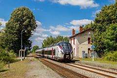 19 juin 2018  B 85041 Train 3833 Nantes -> Bordeaux Ambarés-et-Lagrave (33) (Anthony Q) Tags: ambarèsetlagrave nouvelleaquitaine france 19 juin 2018 b 85041 train 3833 nantes bordeaux ambarésetlagrave 33 aquitaine gironde gare sncf alstom coradia ic intercités bv ferroviaire b85000 b85041