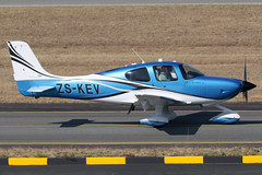 ZS-KEV 11062018 (Tristar1011) Tags: fala lanse hla johannesburg cirrusaircraft cirrus sr22 adventumaviationptyltd zskev