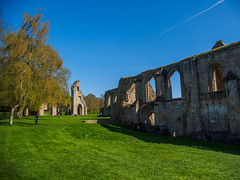 Glastonbury Abbey, Glastonbury, England (Rebecca_Wilton) Tags: 2018 olympus em1 mzuikodigital12100mm uk glastonbury glastonburyabbey