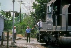 SP SD40T-2 8564 (Chuck Zeiler) Tags: sp sd40t2 8564 kentucky street memphis train chuckzeiler chz henrygulhstorf