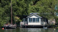 Lakeside cottage (tonyguest) Tags: lakeside cottage stugor mälaren stockholm sverige traditional wooden boat träbåt träbåtar tonyguest wood trees water lake