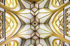 Church Ceiling (CoolMcFlash) Tags: ceiling church heiligenblut architecture carinthia canon eos 60d symmetry art symmetrie symmetrisch building window decke kirche architektur kärnten kunst gebäude muster pattern fotografie photography sigma 1020mm 35 texture textur