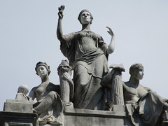 Courthouse Roof Statues 5445 (Brechtbug) Tags: courthouse roof statues across from madison square park new york city caryatid atlantid 2018 nyc 07152018 art architecture gargoyle gargoyles statue sculpture sculptures facade figures column columns court house law government building seasons season buildings
