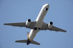 N457UP_757-24APF_UPS_KBFI_9643 (Mike Head -Jetwashphotos) Tags: boeing 757 757200 75724apf 5x ups unitedparcelservice bfi kbfi boeingfield wa washingtonstate us usa america