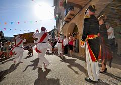 Baile al capitan (Sergio Mamola) Tags: frias burgos capitan tradicion fiesta popular danza capitana
