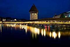 Ponte della Cappella - Luzern (simonealbini) Tags: pontedellacappella lucerna luzern swiss svizzera night longexposure yashicaml2828 sonya7 cityscape nightscene city woodbridge lake reflection light