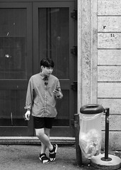 Rome, 2018(5) (S.R.Murphy) Tags: italy june2018 rome bnw bw blackandwhite monochrome mono streetphotography street socialdocumentary man smoker smoking mobilephone rubbish bin fujifilmxt2 xf35mmf2