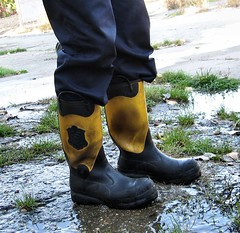 IMG_3565c (gumenaobuca) Tags: farmer fisherman waders rubber gumofilce gumovce fagum stomil rolnik bauer paysan boots stable farm manure worker coverall gasmask