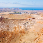 Aerial view of a castle on a volcanic crater / Luftaufnahme eines Schlosses auf einem vulkanischen Krater thumbnail