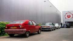 Citroën BX 14 / Xantia 1.8i 16V Break (Skylark92) Tags: nederland netherlands holland flevoland almere xenonstraat do citroen service garage bxclub bollen bbq meeting specialist citroën bx 14 1987 57zkl8 xantia 18i break gr964j 2001 158