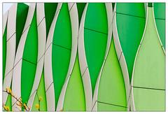 Oval (frodul) Tags: abstrakt architektur ausenansicht detail fassade gebäude gestaltung konstruktion kurve outdoor groningen nederland netherland niederlande ucmg institut grün