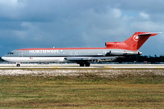 Northwest Airlines | Boeing 727-200 | N815EA | Ft. Lauderdale (Dennis HKG) Tags: northwest northwestairlines nwa nw aircraft airplane airport plane planespotting fortlauderdale ftlauderdale kfll fll boeing 727 boeing727 n815ea
