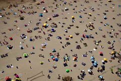 Beach day....... (rienschrier) Tags: zomer mensen people summer beach strand
