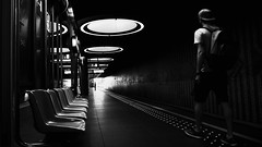 meet again (frax[be]) Tags: streetphotography street subway metro pannenhuis atmosphere 16mm fuji xe3 people platform urban indoor highcontrast silhouette monochrome noiretblanc noir bnw bw blackandwhite