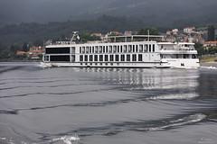 Douro river cruise (Paulo Calafate) Tags: canon5dmarkiv canonef2470mmf28liiusm riodouro douroriver boat badweather portugal cruise