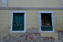 Zagreb (Valentina Nappini) Tags: palazzo aperto chiuso