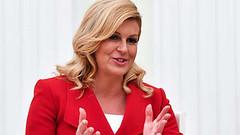 """""""Debemos trabajar juntos"""": La presidenta de Croacia se opone al aislamiento de Rusia (psbsve) Tags: noticias curioso movie interesante video news imágenes world mundo información política peliculas sucesos acontecimientos entertainment"""