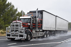 R & S Watson Transport Kenworth T909 (Bourney123) Tags: kenworth t909 parkes truck trucks trucking highway haulage diesel bdouble tautliner loaded rain
