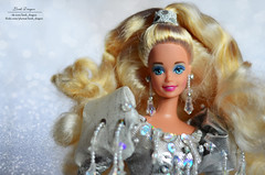 Kristall 04 (Lindi Dragon) Tags: barbie doll mattel superstar holiday 1992 happy silver dress