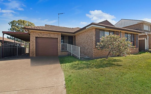 1 LANARK PLACE, St Andrews NSW