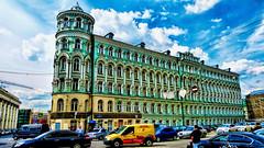 Verde esperanza (Miradortigre) Tags: building street traffic cars city citiescape moscu moscow mockba moskau rusia russia