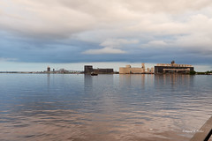 DSE_3103 (pezlud) Tags: 20180617 duluthharbor americanspirit groundedship shipaground ship grounded aground stoppedonly30ftfromseawall
