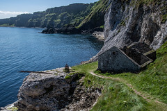 Ballycastle   |   Kinbane Head (JB_1984) Tags: ruins fishermanscottage cliff coast ocean atlanticocean kinbanehead kinbanecastle ballycastle countyantrim northernireland uk unitedkingdom nikon d500 nikond500