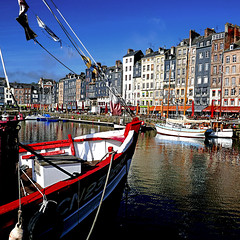 Honfleur, France (pom'.) Tags: panasonicdmctz101 may 2018 normandie normandy france europeanunion boat boats harbor honfleur lisieux honfleurdeauville paysdehonfleurbeuzeville vieuxbassin red ptitechine 100 200 300 400 500 5000