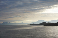 Lofoten in Norway (Marco Braun (In holidays)) Tags: himmel sky ciel norwegen norway norwége sea wasser eau water montain berg montagne lofoten white blanche schnee snow