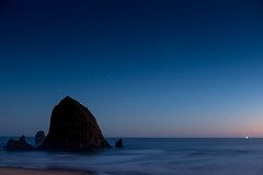 Cannon Beach at night (life is good (pete)) Tags: cannonbeach oregoncoast oregon fujifilm xt2 vacation summer