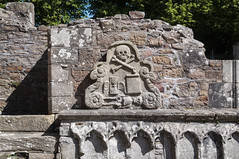 El tiempo vuela (Guillermo Relaño) Tags: guillermorelaño nikon d90 catedral tumba tomb escocia scotland elgin cathedral