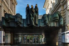 Litauen Reise - Vilnius - Lithunanian National Drama Theatre (J.Weyerhäuser) Tags: litauen vilnius drama theare national lithuanian skulptur eingang foyer architektur
