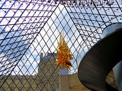 Pyramide-Throne (Raymonde Contensous) Tags: koheinawa throne ieohmingpei paris pyramidedulouvre architecture sculpture art