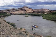 Float Trip To Dewey Bridge (Jeff Mitton) Tags: floattrip coloradoriver deweybridge utah redrockcountry sandstone bluff