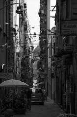 Le strade di Napoli I (janmalteb) Tags: italien italy neapel napoli strasen streets strade di schwarz weiss black white monochrome urban canon eos 77d tamron 18200mm naples