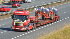V800 PAA (panmanstan) Tags: scania r500 wagon truck lorry commercial freight transport haulage vehicle a1m fairburn yorkshire