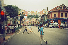 singapore (thomasw.) Tags: singapore singapur littleindia asia asien südostasien southeastasia travel travelpics travelphotographie wanderlust analog cross crossed lomo 35mm kb