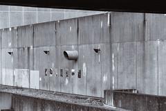Endrohr (Nilfisk) Tags: 100mmf28 35mm 50mm20 apx400 agfa bochum fm2n film nikonlens querenburg beton brutalismus rohr seriese uni wand