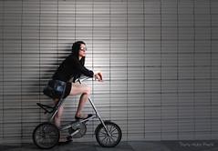 Sport ou Mode ... ( P-A) Tags: mode style modèlemannequin urbain belle jeune femme coiffure tendance voyages touristes photos simpa© barcelone laramblaespagne photoquébec