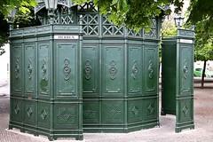 Damen und Herren (just.Luc) Tags: public toilet green groen vert grün berlin berlijn allemagne deutschland duitsland germany europa europe