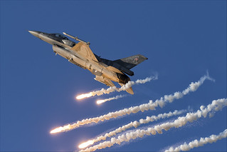 Lockheed Martin F-16C Fighting Falcon - 25