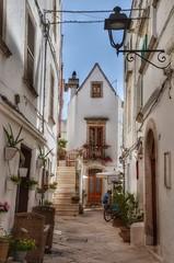 Locorotondo (Puglia) (Aránzazu Vel) Tags: locorotondo puglia strada street calle architecture arquitectura borgo pueblo